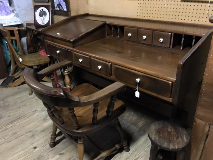 [Image: Perfect for the college graduate seeking an appropriate desk for  their new job » · « - Antique Writing Desk - Furniture Gallery