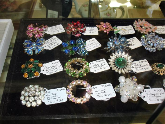 Brooches and pins have long been one of the most versatile jewelry choices for women of all ages.