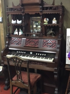 [Image: Beautiful Ornate Design Pump Organ, works!]